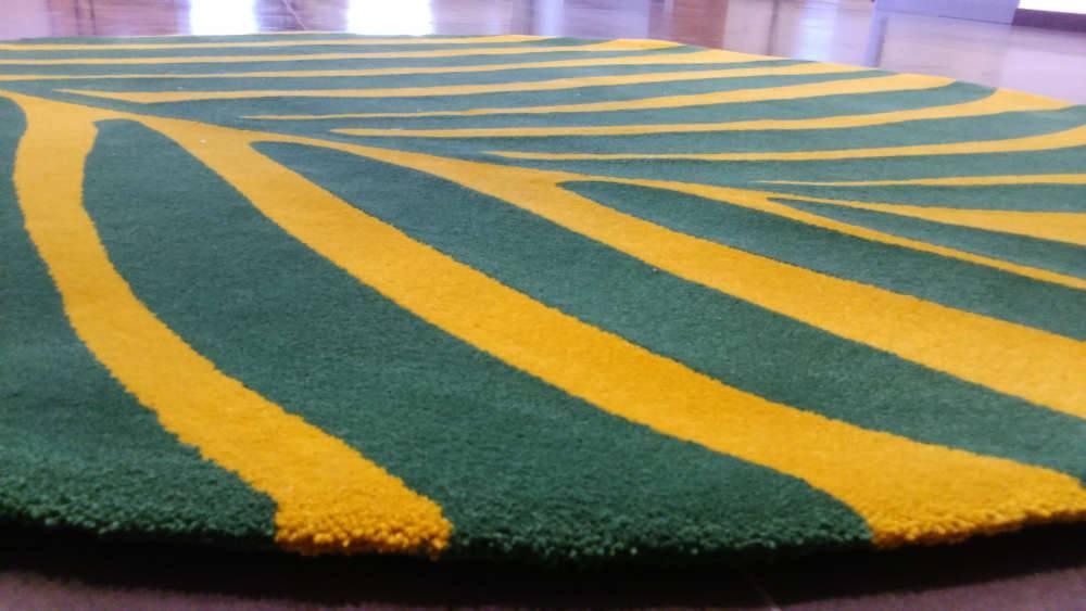dywan w kształcie liścia